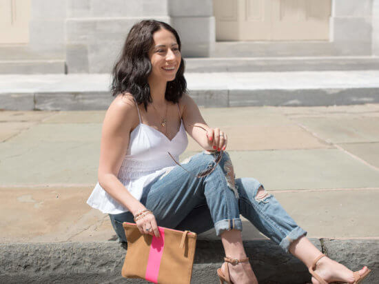IMG_Philly-blogger-express-white-baby-doll-tank-american-eagle-distressed-boyfriend-jeans-steve-madden-sandals-clare-vivier-brown-clutch-with-hot-pink-stripe