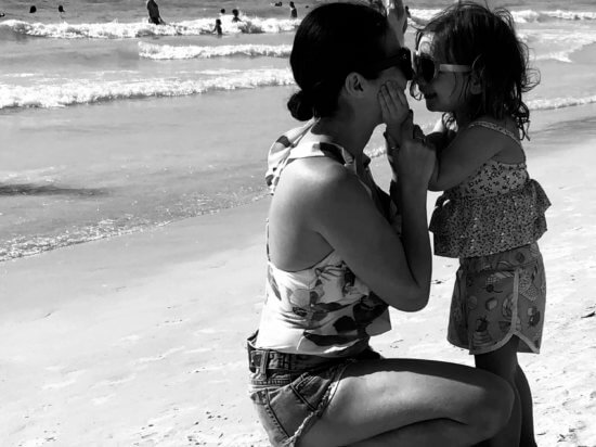 IMG_daughter-kissing-mama-family-vacation-clearwater-beach-florida-spring-break-one-piece-swimsuits-mom-friendly-revolve-lovers-and-friends-tropical-oasis-one-piece