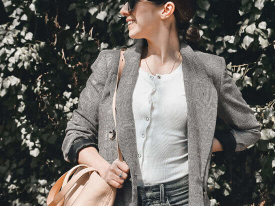 IMG_how-to-always-look-stylish-zara-plaid-checkered-blazer-ripped-skinny-jeans-madewell-nude-tote-chic-sunglasses