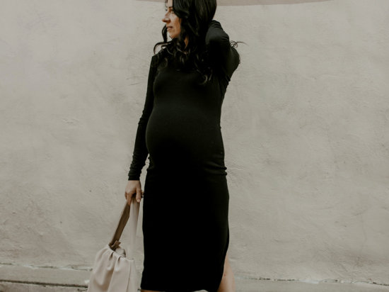 the sunday edit 34 weeks pregnant